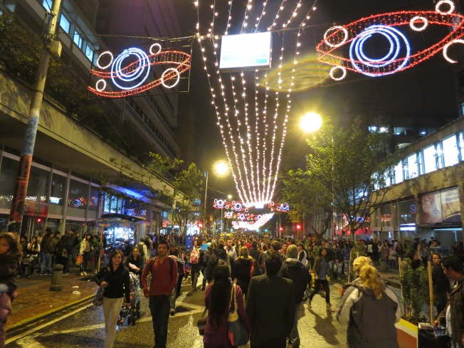 Carrera 7 closes for a street fiesta every Friday and Sunday night