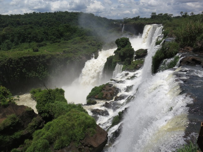 Falls from the Argentine side